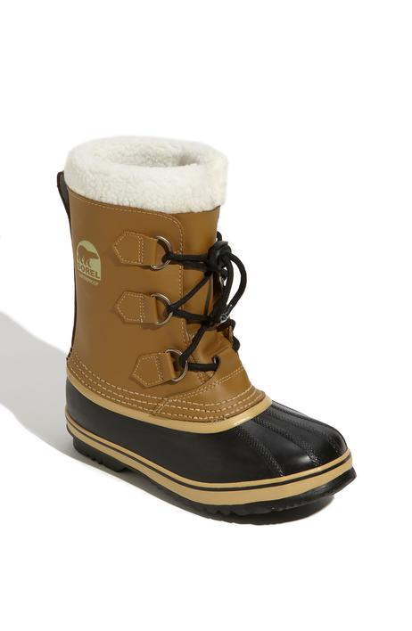 Snowboots with removable sock